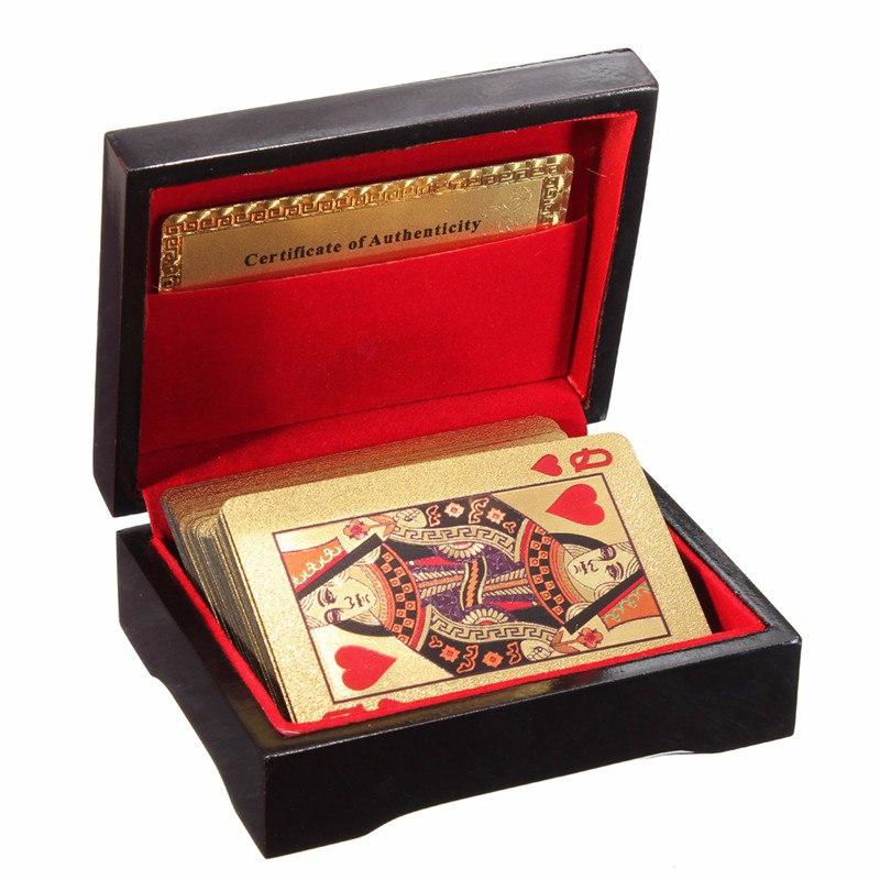 חבילת קלפים מוזהבת, מגיעה בקופסא מהודרת