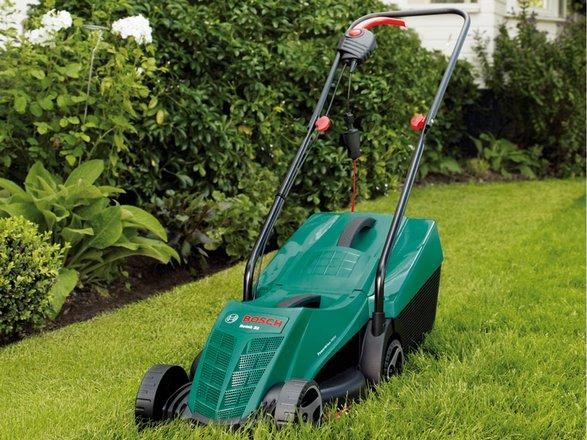 Bosch Rotak 32R דיל חם למכסחת הדשא של חברת bosch האמינה.